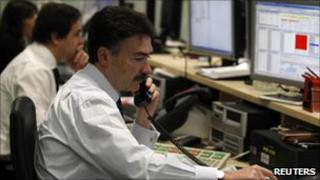 Traders during Portuguese debt auction
