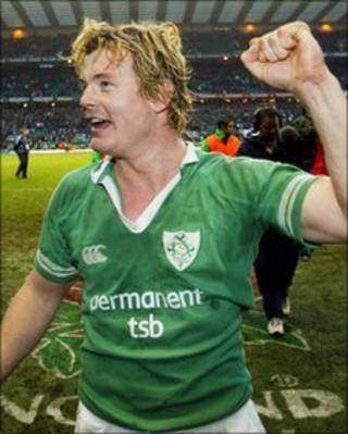 Brian O'Driscoll celebrates after Ireland's win over England in 2004