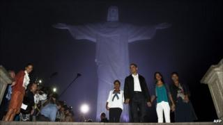 President Obama and his family visit the Christ the Redeemer statue