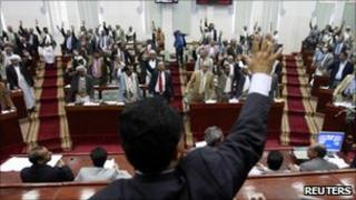 Members of parliament vote for the emergency laws in Sanaa, Yemen (23 March 2011)