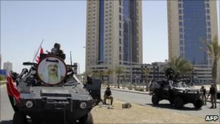 Bahrain security forces in central Manama, 19 Mar 11
