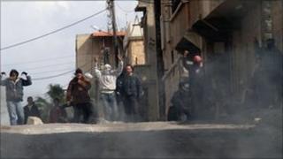 Anti-government protesters in Deraa (23 March 2011)