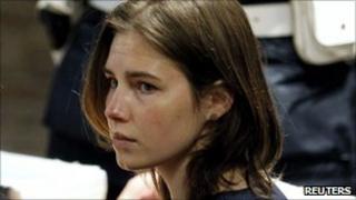 Amanda Knox in court (12/3/11)