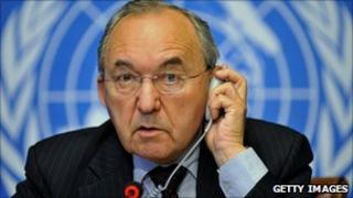 Goldstone at a press conference during a two-day hearing session on Gaza conflict -UN office, Geneva July 200