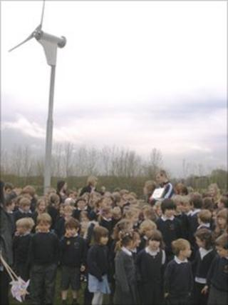Marshfield Primary School wind turbine