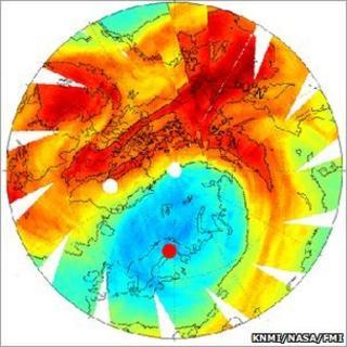 Arctic ozone plot (KNMI/Nasa/FMI)