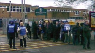Picket line at Tile Hill Wood School