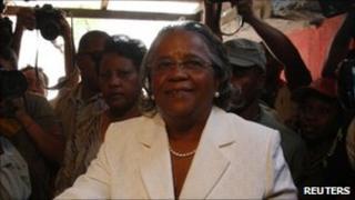Mirlande Manigat casting her vote on 20 March 2011