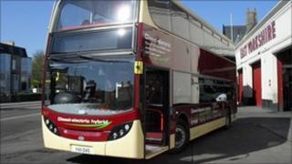 Hybrid diesel/electric bus