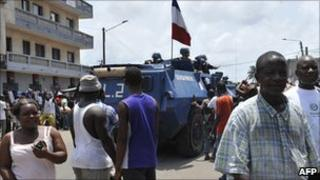 A French Gendarmerie patrol, Abidjan, April 12