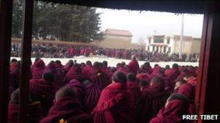 Funeral of monk who set himself on fire, at Kirti monastery on 19 March 2011 (Image: Free Tibet)
