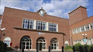 Worcester uni entrance