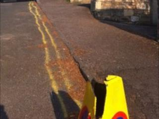 Double-yellow lines in Bath