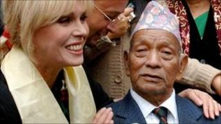 Tul Bahadur Pun with actress Joanna Lumley