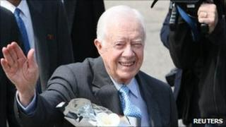 Jimmy Carter arrives in Pyongyang on 26 April 2011