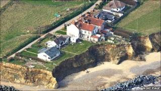 Eroding cliff on Beach Road, Happisburgh, Norfolk (Photo: Mike Page)