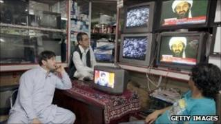 Watching the news in Kabul
