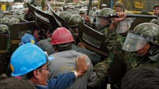 Worker clash with troops at Glencore mine