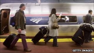 US rail passengers at Penn Station in New York City - 17 November 2005
