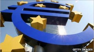 The logo of the European currency Euro stands in front of the European Central Bank in Frankfurt