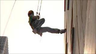 Participant abseils in Canary Wharf
