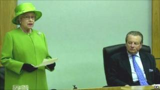 Lord Elis-Thomas listens as The Queen addresses the Welsh assembly in 2002