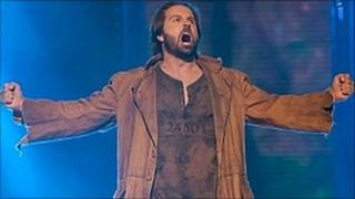 Alfie Boe performing a song from Les Miserables