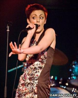 Rhiannon Bradbury - singer with Hounds of Love (Photo by Damian Godley)