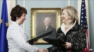 Catherine Ashton and Hillary Clinton in Washington. Photo: 17 May 2011