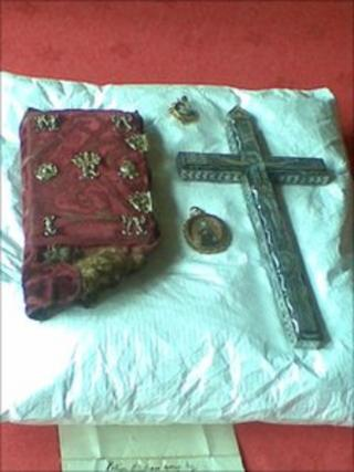 Prayer book and crucifix on a cushion. Pic by Morag Kinniburgh