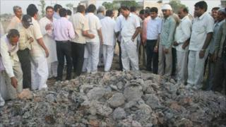 Bhatta Parsaul mound of ash - picture from Congress Party