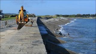 Coastal defence work at Rue de la Rocque