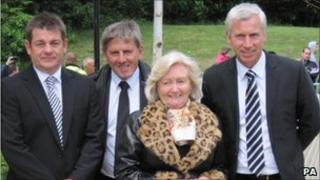 Newcastle United assistant manager John Carver, Peter Beardsley, Lady Elsie Robson and Alan Pardew