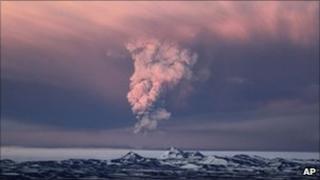 The Grimsvotn volcano erupting