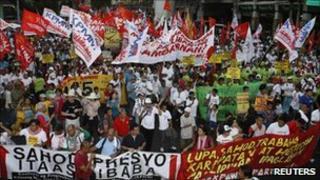 Protesters demanding higher minimum wage