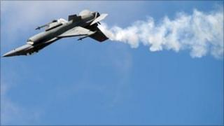 F16 Fighting Falcon, Reuters