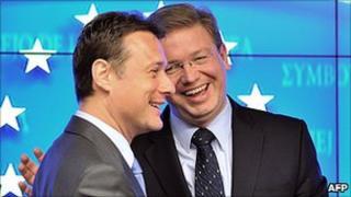 Croatian Foreign Minister Gordan Jandrokovic (left) with EU Enlargement Commissioner Stefan Fuele, 19 Apr 11