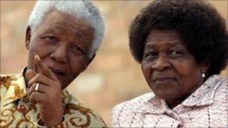 Nelson Mandela and (r) the late Albertina Sisulu