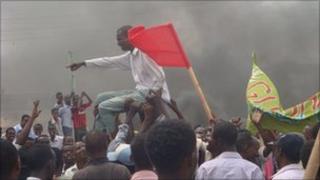 Protesters supporting Prime Minister Mohamed Abdullahi Farmajo