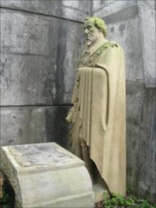 Disraeli statue in Chorley