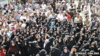 Crowd of women protesters outside Khomeinishahr courthouse