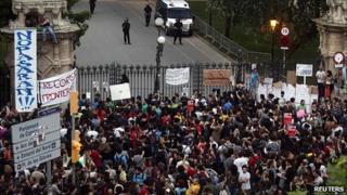 Protest near Catalan parliament, 14 Jun 11
