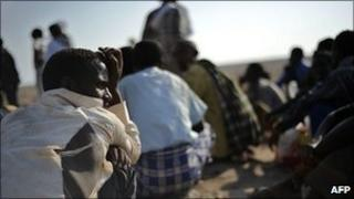 Ethiopian migrants waiting for a boat (archive shot)