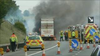 M4 lorry fire 21/06/2011