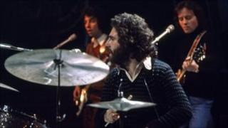 10CC drummer performing on Top of the Pops