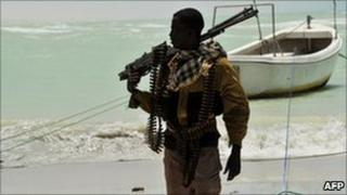 A Somali pirate (archive image from 2010)