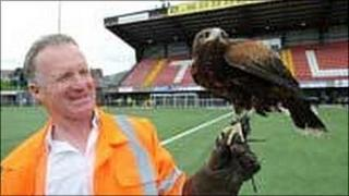Terry Turkington and Serena the hawk