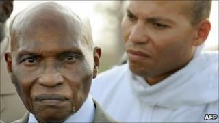 Abdoulaye Wade (left) and his son Karim (right) (file photo)