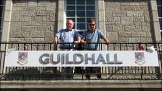 Town Mayor Ron Tulley and Tony Mason