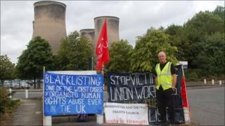 Steve Acheson on his picket line outside Fiddlers Ferry